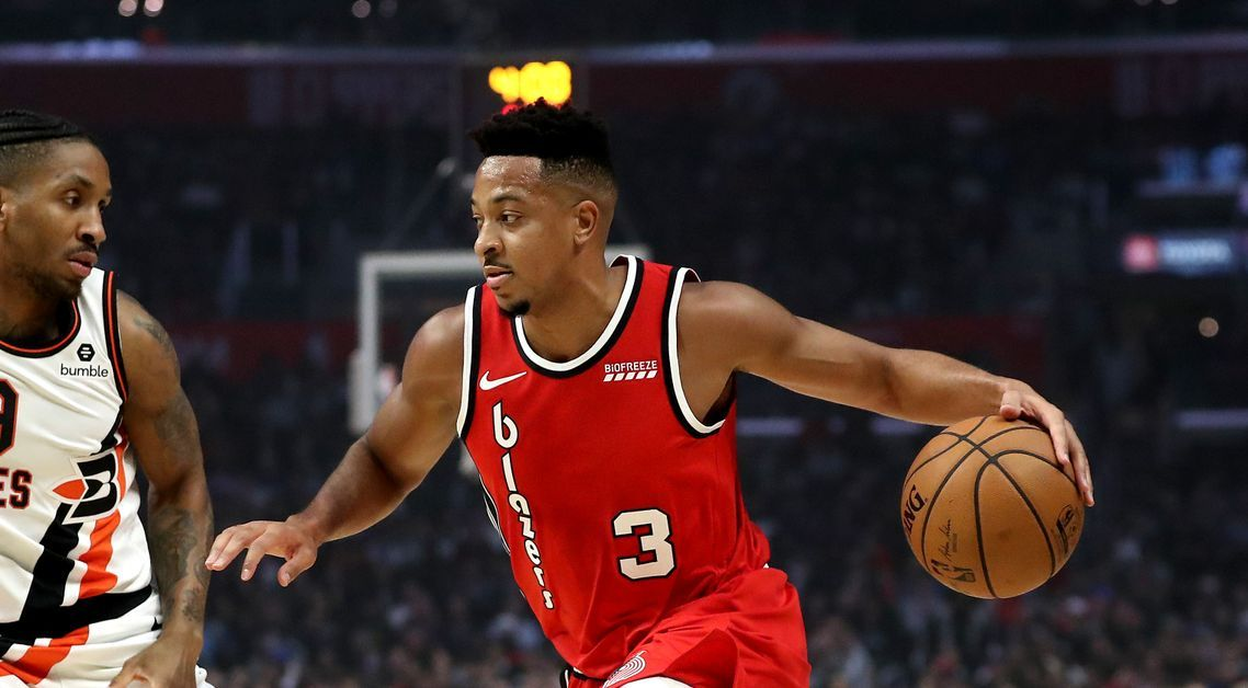 CJ McCollum trying to penetrate the opposing team's defense