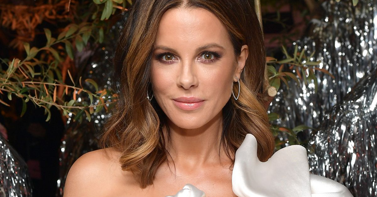 Kate Beckinsale Plays With Baby Kangaroos: 'Happy Hoppy Easter'