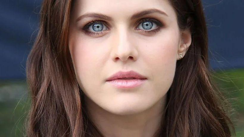 Alexandra Daddario close up