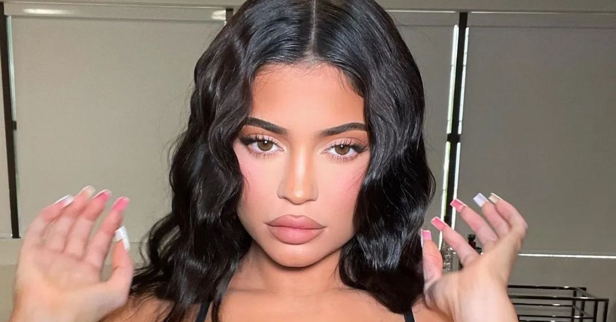 Kylie Jenner Eyes Fall With Bare Baby Bump