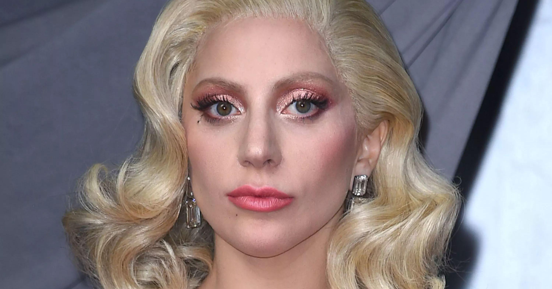 BlVTdWRiMExna29URjk5alFTYVkuanBn Lady Gaga Grabs Iced Coffee In 8216 Bikini Bra On LA Streets 8211 The Blast