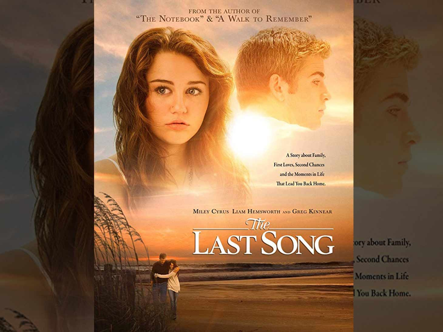 Last Song Wedding.Miley Cyrus Liam Hemsworth S The Last Song Sees Massive