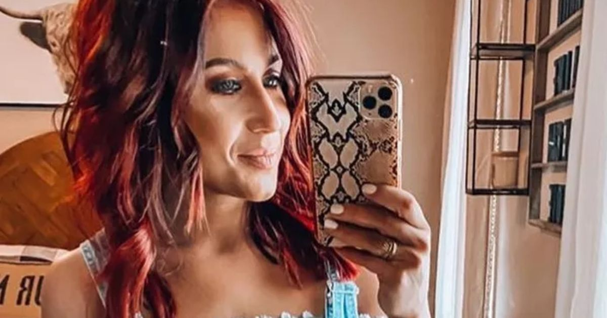 Chelsea Houska Stuns In Daisy Dukes Cowboy Boots From Her