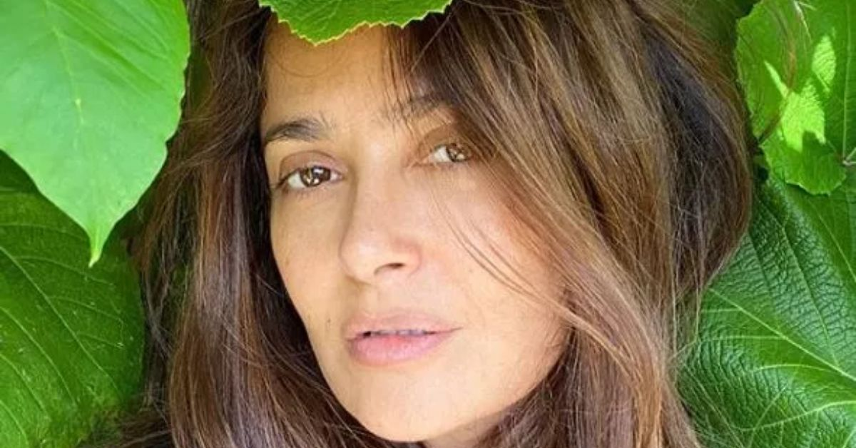 Salma Hayek Stripping Down To Plunging Bikini Receives Mixed Reviews On Instagram - The Blast