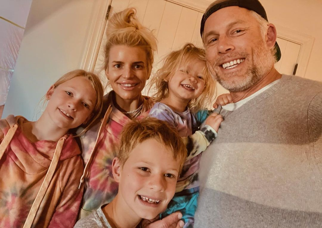 Jessica Simpson and family selfie