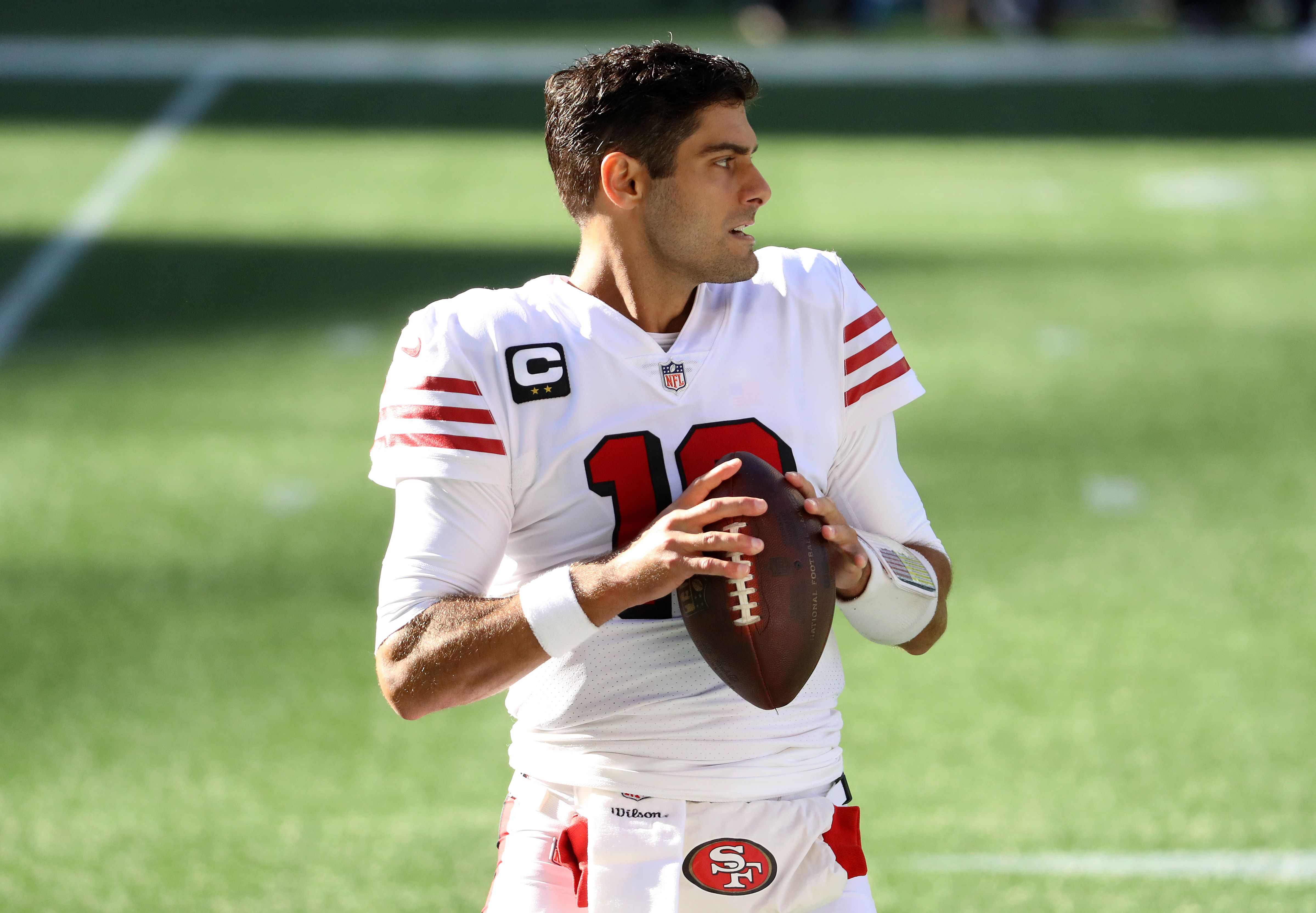 Jimmy Garoppolo practices throwing