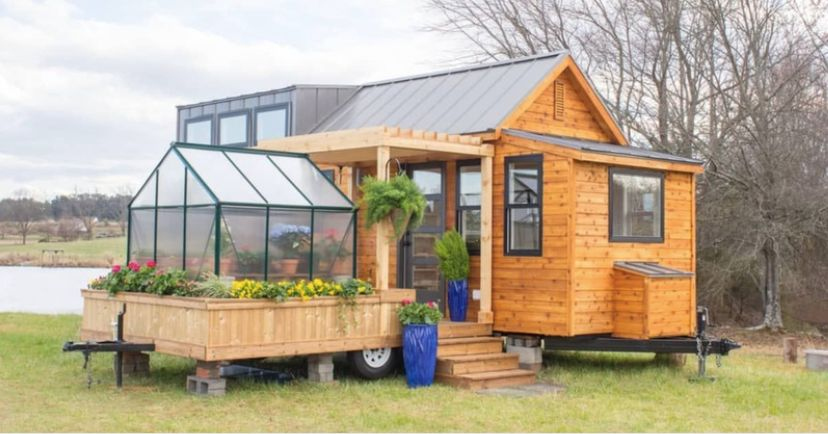 Tiny Home Comes With Stunning Detachable Greenhouse