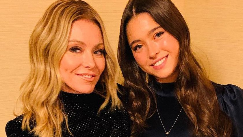 Kelly Ripa's Teenage Daughter Yummy AF During Family Dinner - The Blast