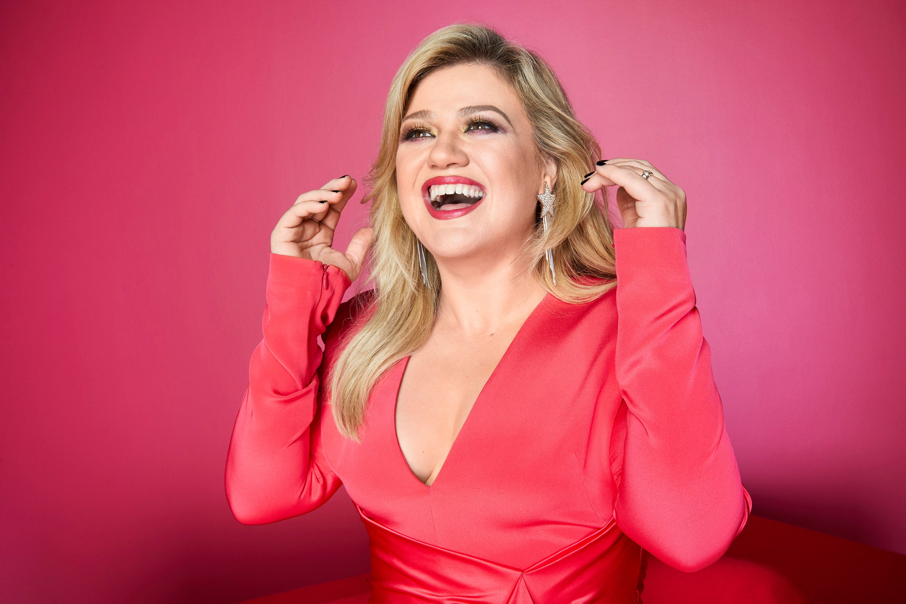 Kelly Clarkson fights back against body shaming