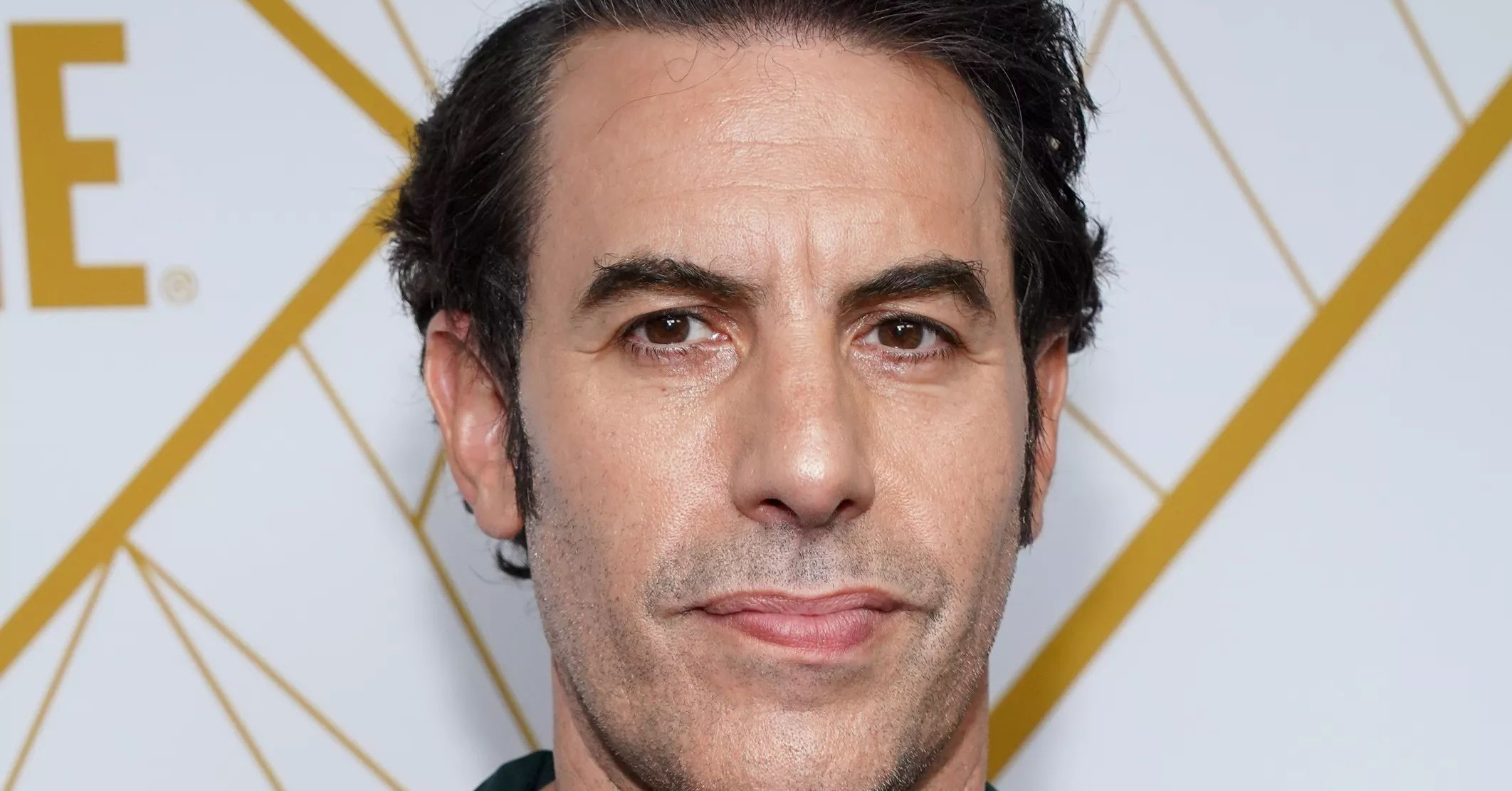 Sacha Baron Cohen Crashes Far-Right Event & Fools Attendees Sacha Baron Cohen Spouse