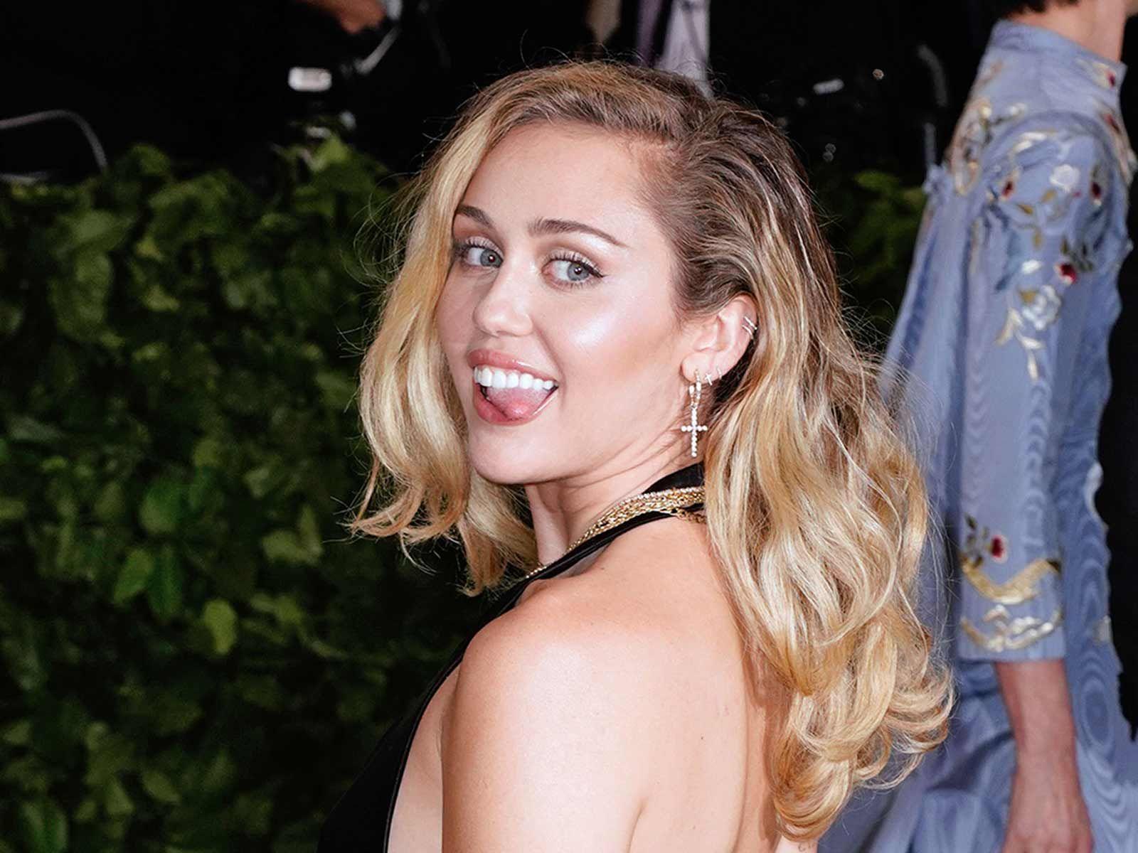 Miley Cyrus J