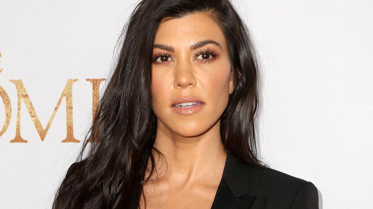 Kourtney Kardashian's Beau Travis Barker Gets Tattoo Of ...