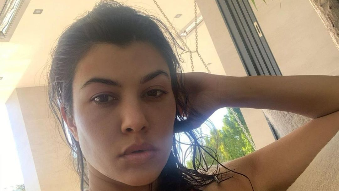 Travis Barker Posts Steamy Snaps Of GF Kourtney Kardashian