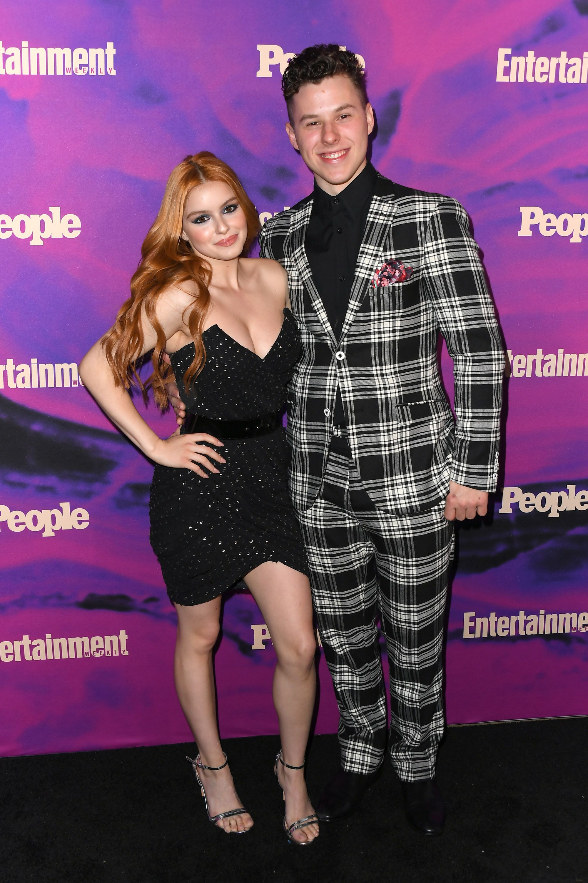 Ariel Winter Stuns In Cracked Marble Yoga Pants To Kiss